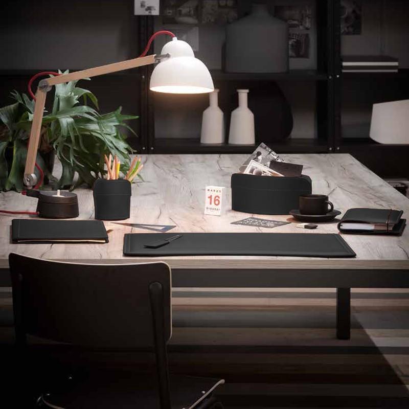 Complementi d 39 arredo set ufficio in cuoio rigenerato for Complementi arredo ufficio